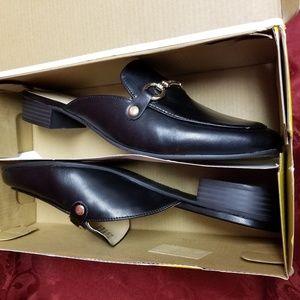 Liz Claiborne Shoes - Black Size 10 Liz Claiborne LC Hailey Shoes